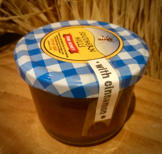 Raw honey and cinnamon spread
